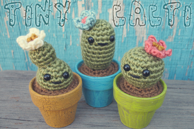 Ravelry: Mini Tall Crochet Cactus pattern by Zoe Bartley | 450x680