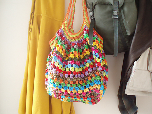 Crochet Granny Square Tote Bag Pattern : granny square handbags - link