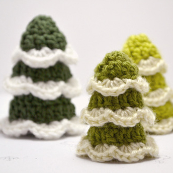 Tutorial Round Up: Crochet Christmas Tree Patterns